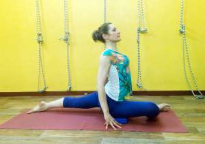Занятия йоги с философией